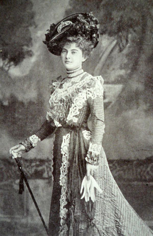 Grace Palotta as Lady Holyrood